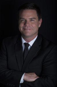 Dr. Alex Campbell - Plastic Surgeon Colombia